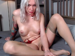 sexy boosty russian lady boy oiled up and jerks off showing her feet and toe